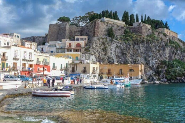 One Week – Isola di Lipari